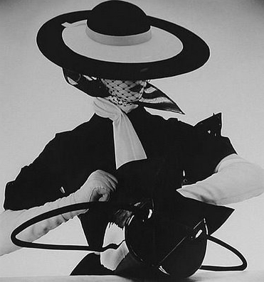 Irving Penn fashion photograph