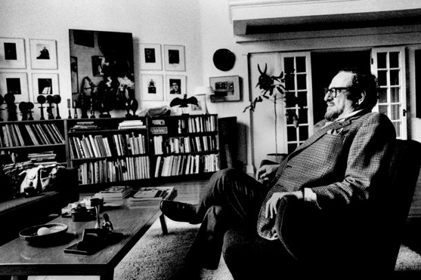 Arnold Newman at home, 1980. Photographer unknown.