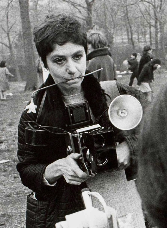 diane arbus photographing the freaks essay By diane arbus, new york, aperture 1995, 112 pp  giants, midgets, freaks,  transvestites, nudists - diane arbus is an undisputed master of photography  in  this case, her decision to try to photograph women and children with downs'.